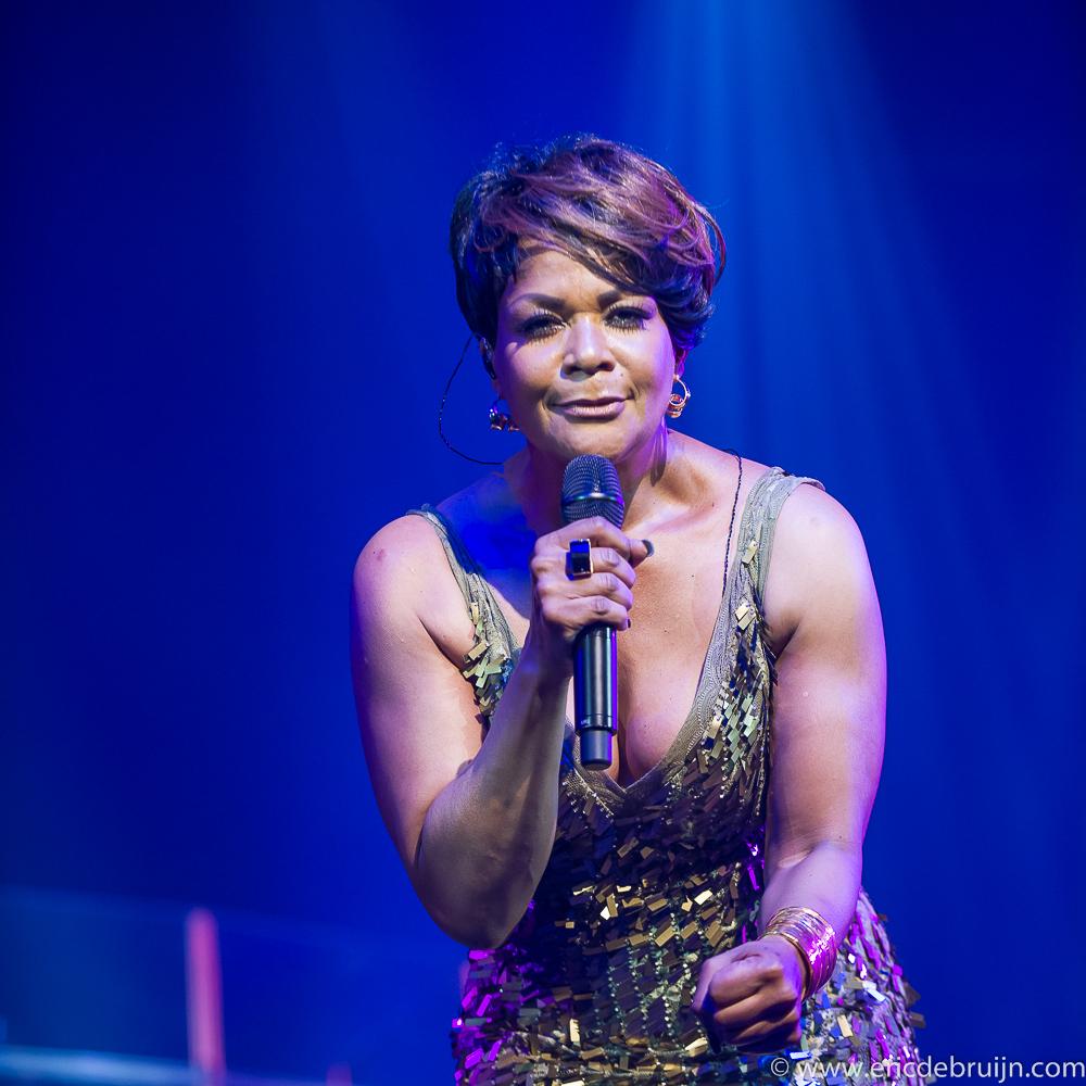 Ruth Jacott voor KWF in het Circustheater in Scheveningen